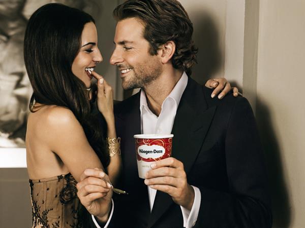 haagen daz commercial - Sonrisas Bradley Cooper
