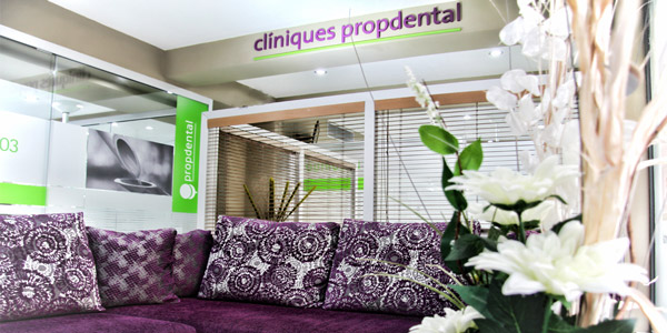 Visita al dentista en Clínicas Dentales Barcelona