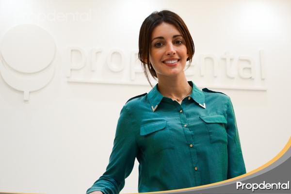 noelia lopez cuidando de su estética dental en Barcelona