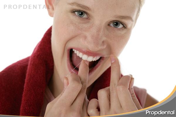 es necesario usar hilo dental