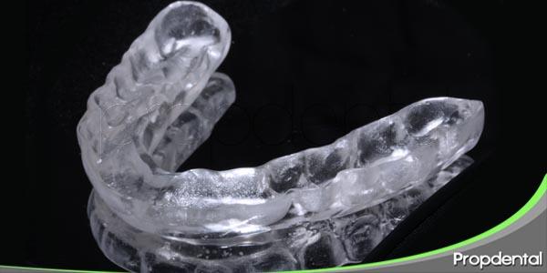 efecto del bruxismo sobre los implantes dentales