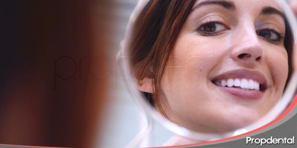 analice su sonrisa con las 18 claves estéticas
