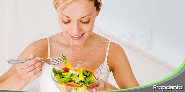 cuide su sonrisa con una vida sana y una dieta equilibrada
