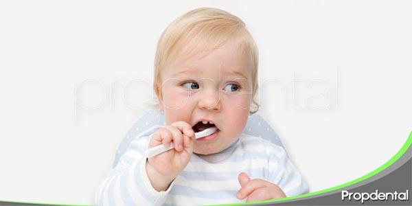 limpieza dental en los niños