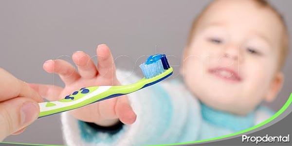 pueden los niños usar flúor