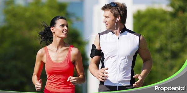 relación entre el rendimiento deportivo y la salud bucal