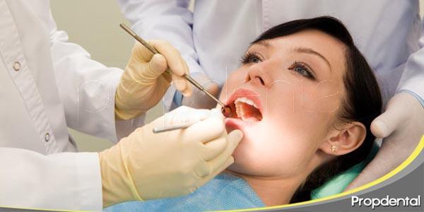 el higienista dental en el mantenimiento implantológico