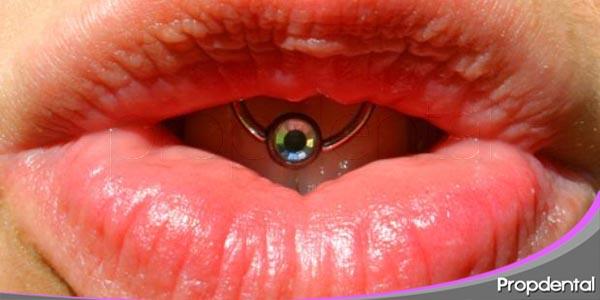 el efecto y consecuencias de los piercings en la boca