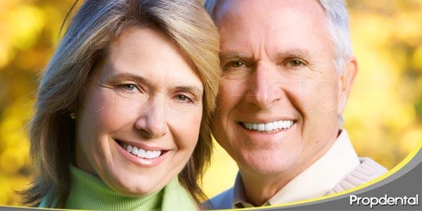 vive más y mejor con los implantes dentales