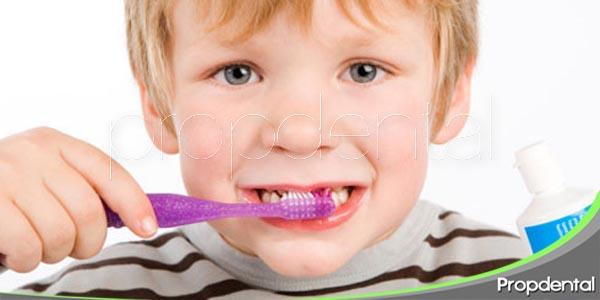 cepillado dental en niños