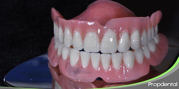 particularidades del funcionamiento de la dentadura postiza
