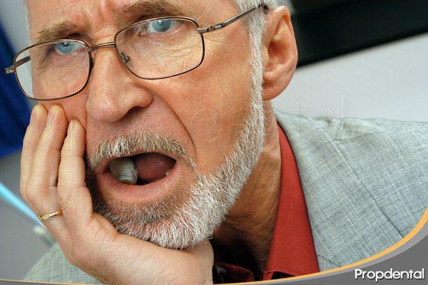 qué causa dolor dental