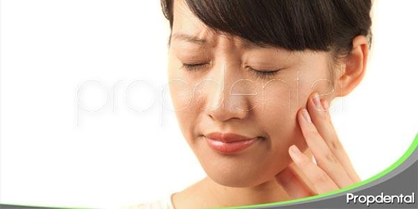 síntomas que acompañan el dolor de muelas