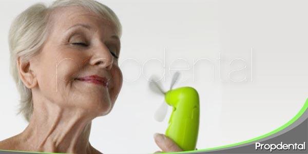 como afecta la salud oral durante la menopausia