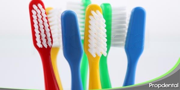 consejos para mantener en buen estado el cepillo de dientes