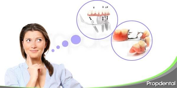 implantes dentales o prótesis removibles