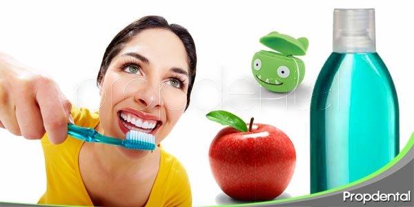 5 tips para blanquear los dientes de forma sencilla