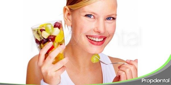 alimentos útiles para combatir la gingivitis