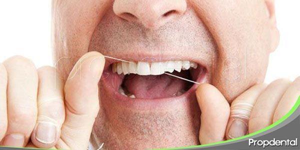 combatiendo las excusas en contra del hilo dental