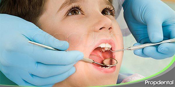 dientes primarios y coronas dentales
