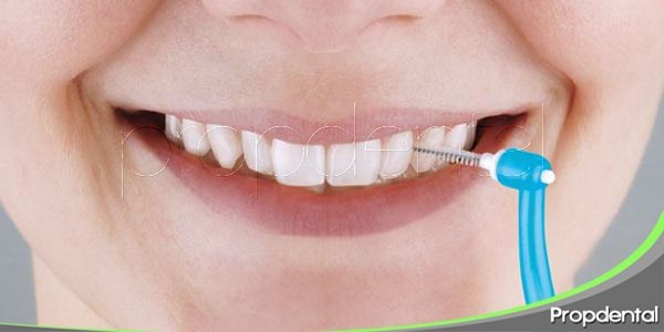 uso correcto del cepillo interproximal