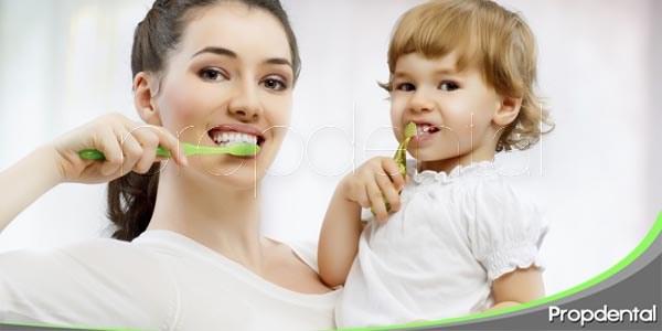 cuidado de los dientes del bebé