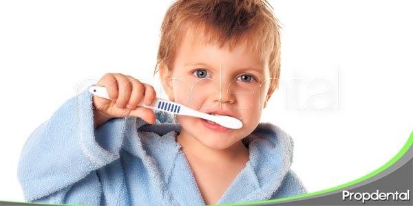 el cepillado dental en la rutina escolar