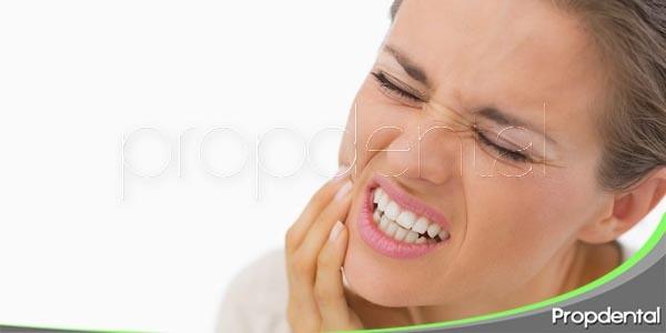 apretar los dientes
