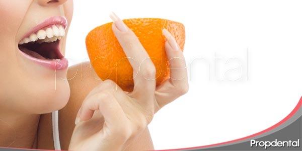 alimentos que ayudan a blanquear los dientes