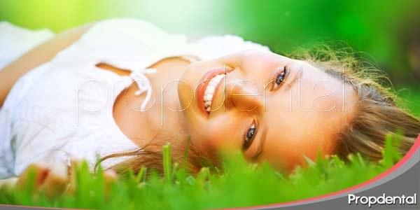 blanqueamiento dental en primavera