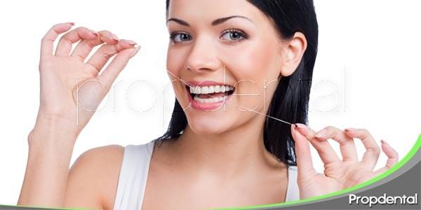 hilo dental contra el mal aliento