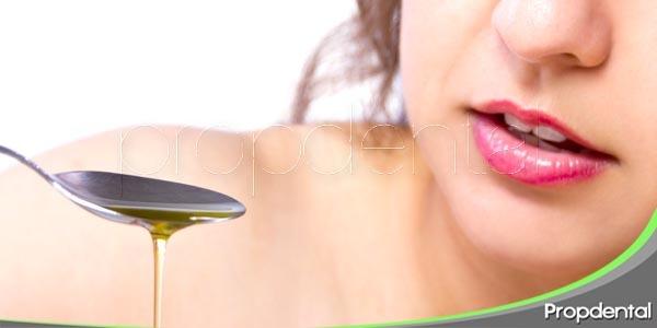 limpiarse los dientes sin cepillo