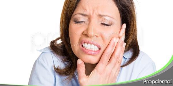 males dentales de las mujeres