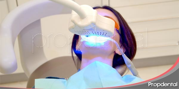 blanqueamiento dental a través de led