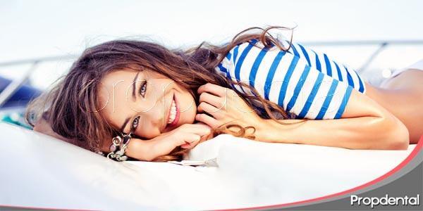 sonrisa blanca en verano