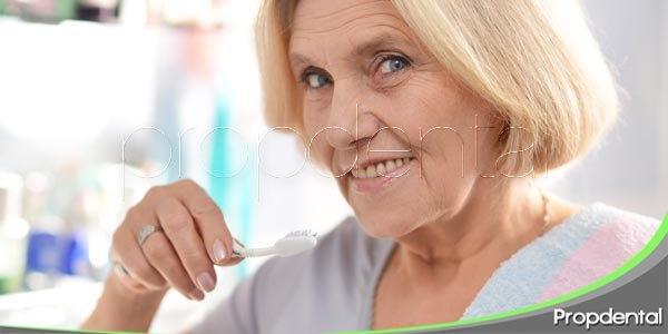 riesgos de salud oral en personas mayores