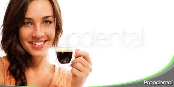 Café: Mal aliado para el color de tus dientes