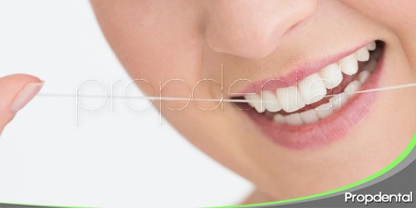 Consejos para el empleo de la seda dental