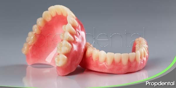 Cómo convivir con una dentadura postiza