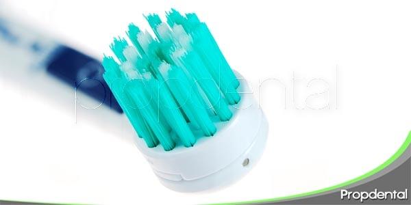¿Qué debería tener un buen cepillo dental?
