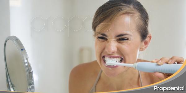 Qué está causando mi sensibilidad dental