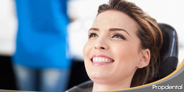 La-importancia-de-visitar-regularmente-al-dentista