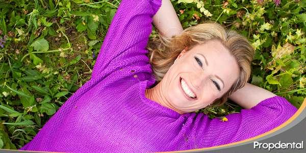 manifestaciones-dentales-durante-la-menopausia