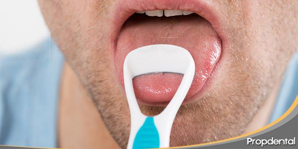 por-qué-usar-limpiador-lingual