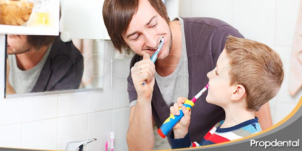 cómo-debes-lavarte-los-dientes
