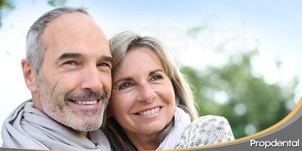 implantes-dentales-en-los-más-mayores