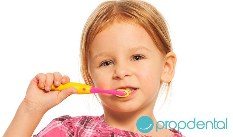 por qué es importante cuidar los dientes de leche