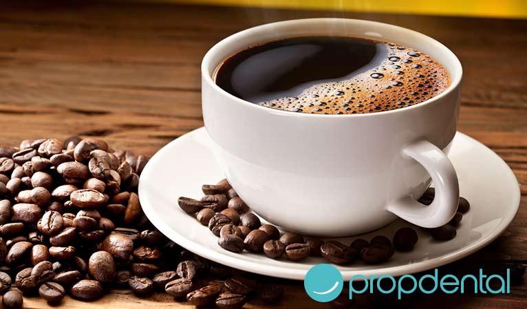 que efectos tiene el cafe en la salud bucodental