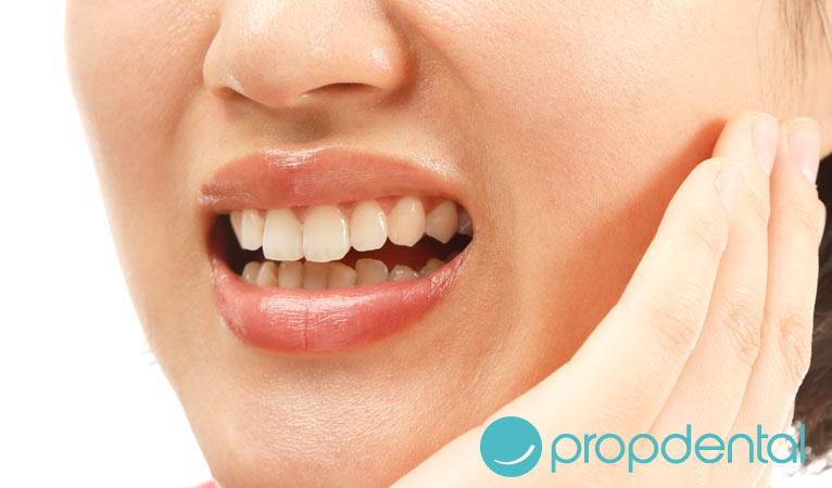 3 causas los dientes sensibles