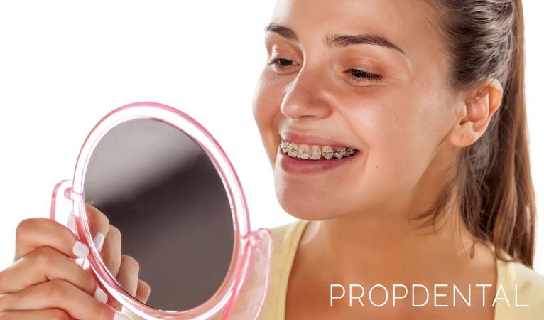 ¿Puedo usar el hilo dental con aparatos?